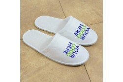 Logoed slipper, closed toe (5 mm sole)