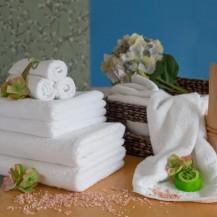 Белые махровые полотенца, все размеры