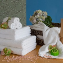 White towels, all sizes