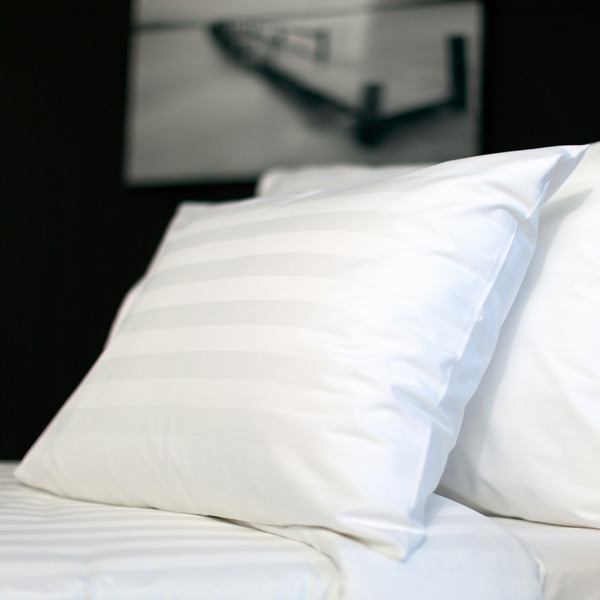 Satin bed linen with 3 cm stripe